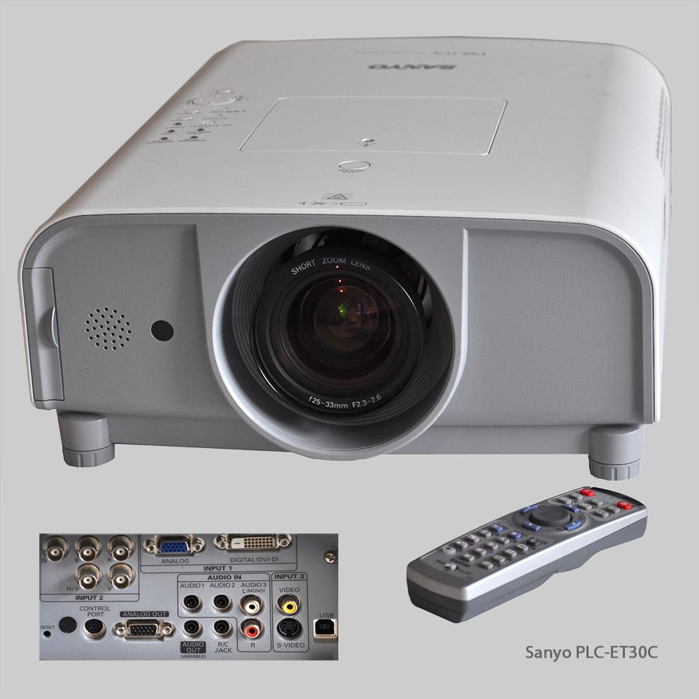 Medientechnik: Beamer Sanyo PLC ET30C