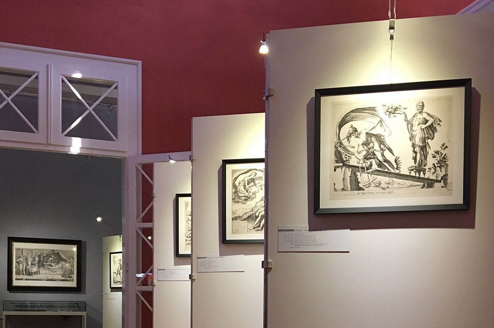 Kunstausstellung roter Saal